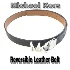 💼Michael Kors Black & Tan Reversible Leath